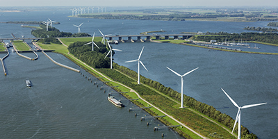 luchtfoto-windmolens-water